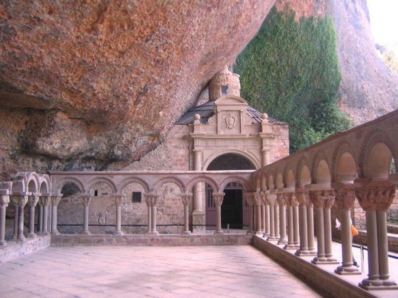 Монастырь Сан-Хуан-де-ла-Пенья