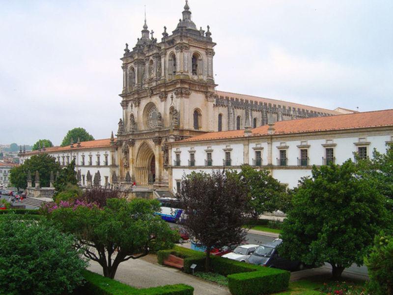 Монастырь Санта-Мария де Алкубаса