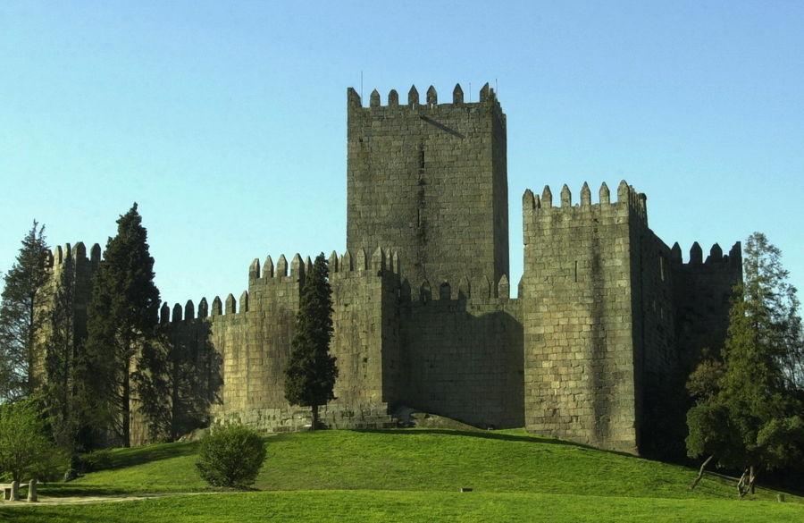 Замок Гимараеш