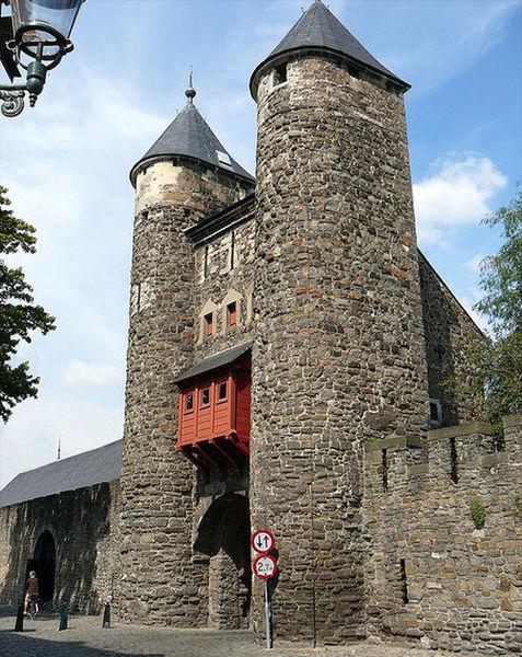 Городские ворота Хелпорт
