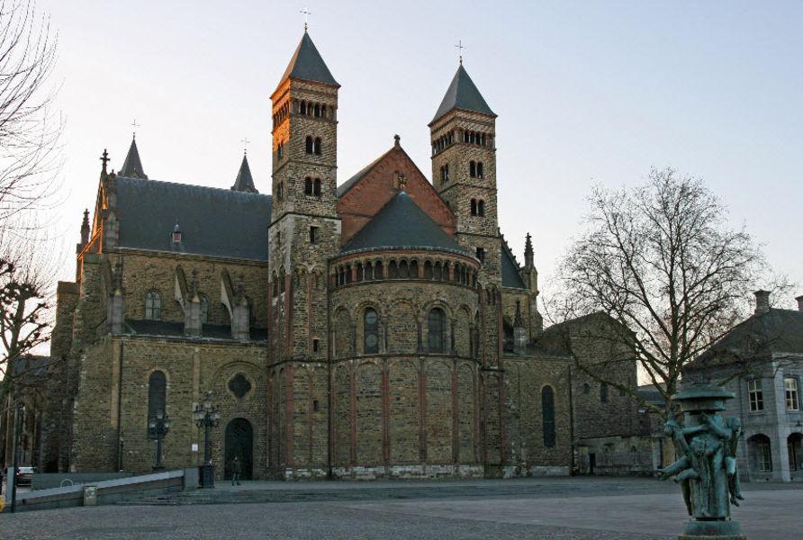 Церковь Синт-Сервас