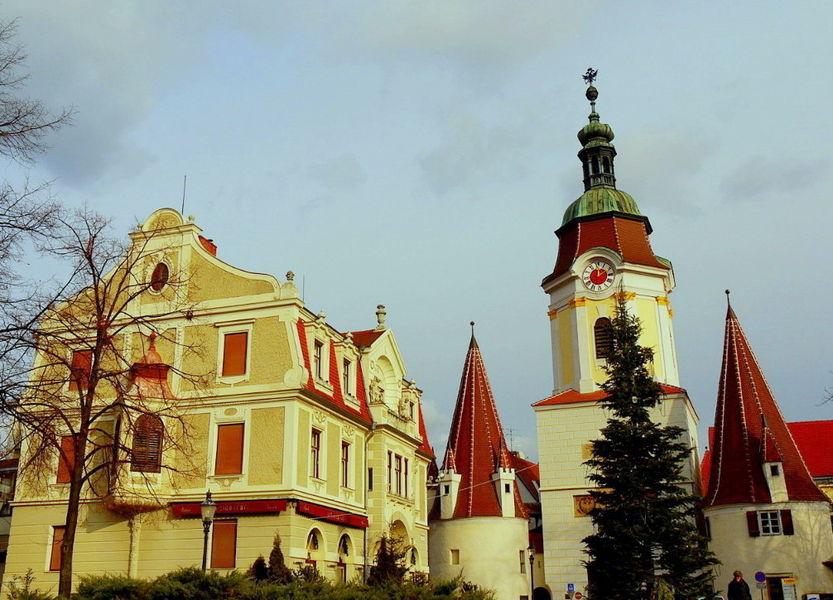 Церковь Пиаристен