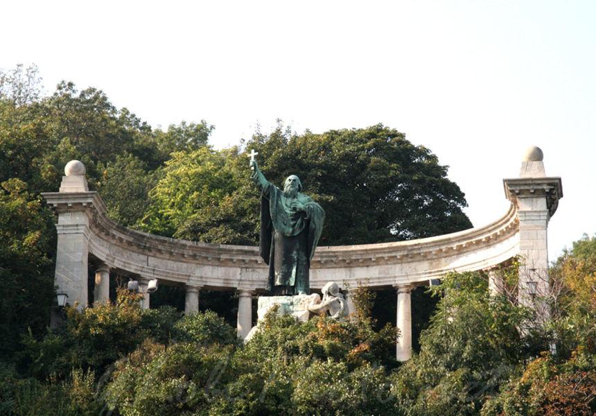 Памятник св. Геллерту