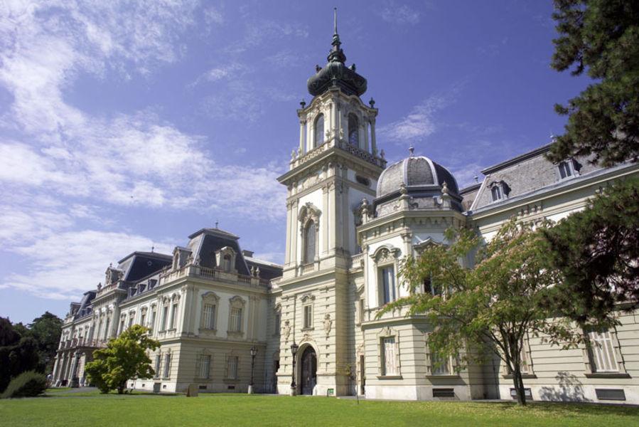 Дворец Фештетичей и музей-дворец Геликон
