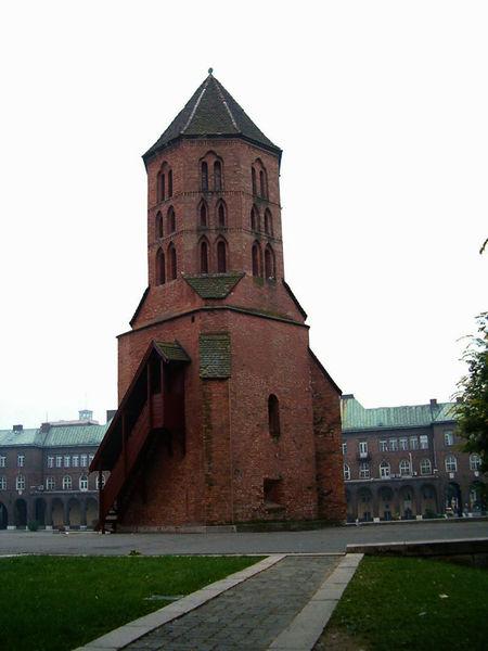 Башня Диметриуса и Домская площадь