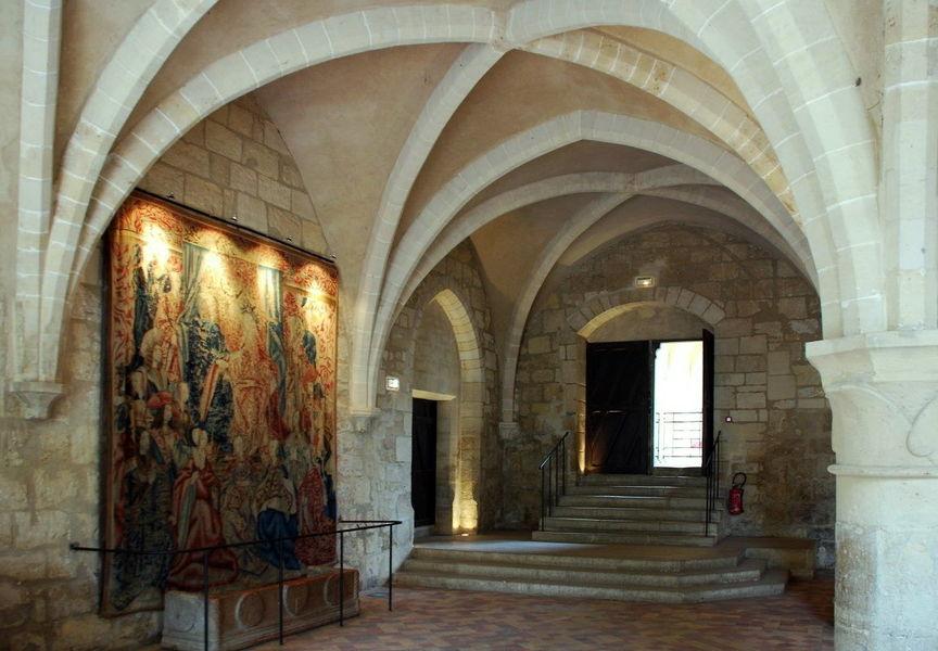 Монастырь Руаомон