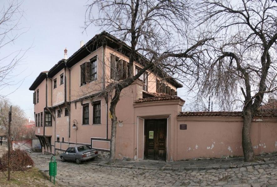 Дом Ламартина