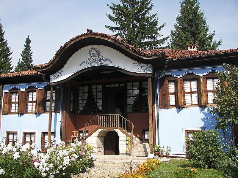 Дом Лютова