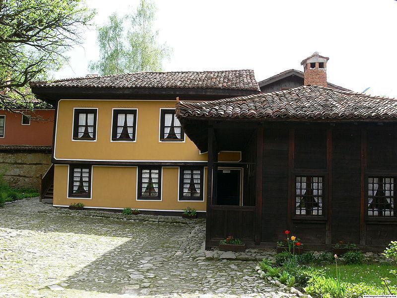 Дом Каравелова