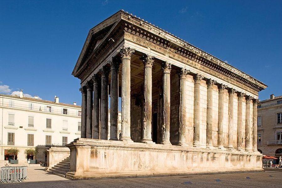 Храм «Мезон Карре»