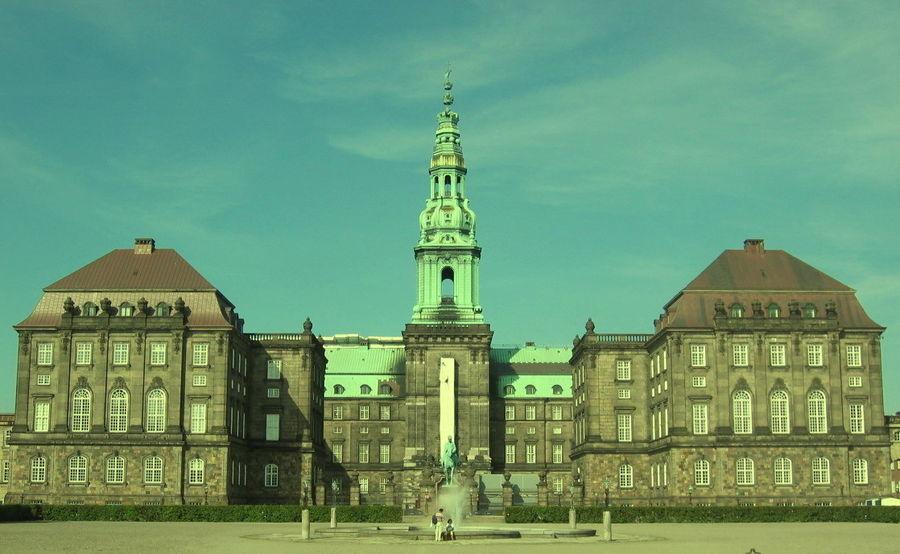 Дворец Христиансборг