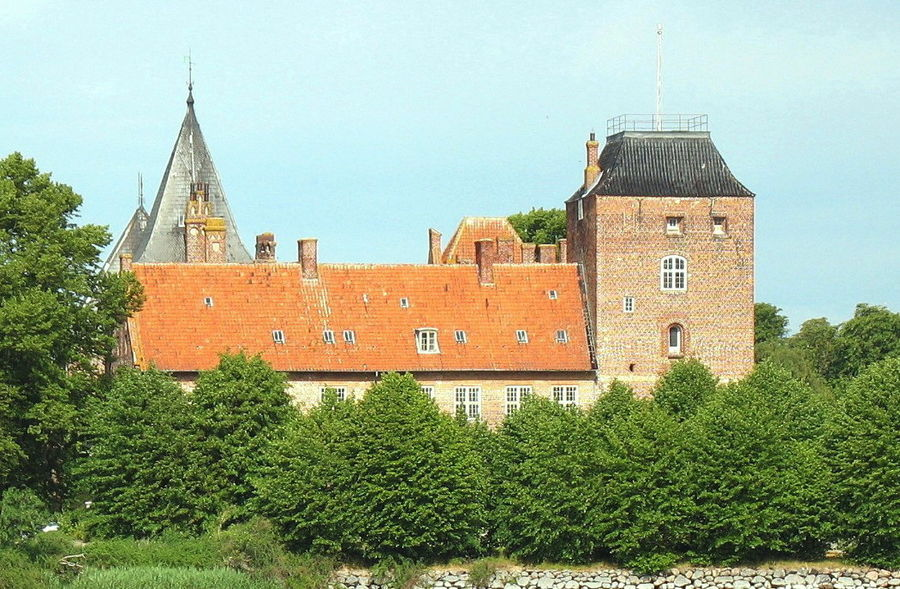 Замок Альхольм