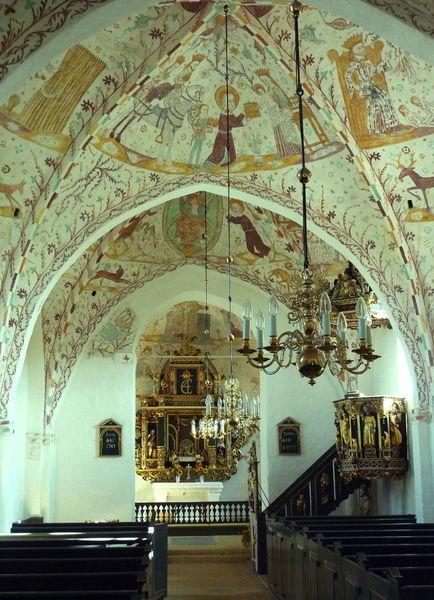 Церкви в Эльмлунне и Кельбю