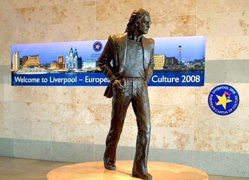 Ливерпульский аэропорт имени Джона Леннона