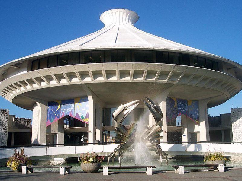 Музей Ванкувера и Тихоокеанский космический центр