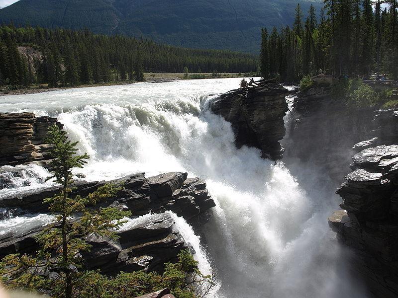 Водопад Атабаска