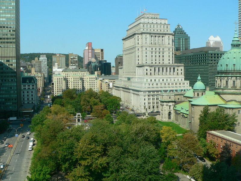 Площадь Дорчестер и площадь Канады
