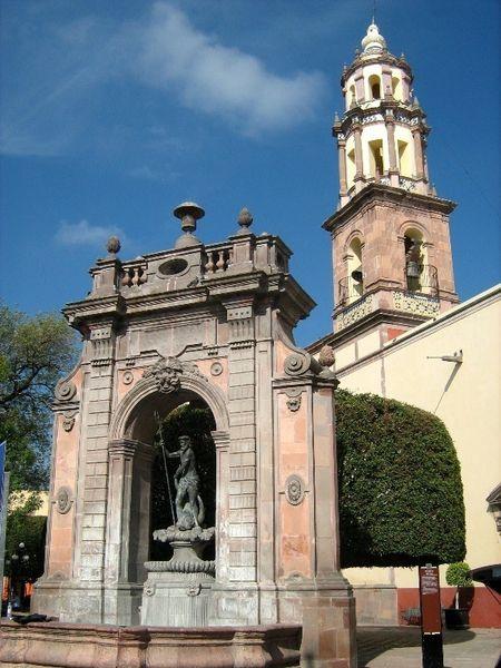 Церковь Св. Клары и церковь Св. Росы