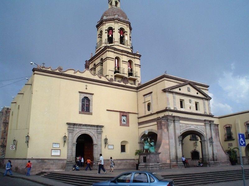 Монастырь Санта-Крус