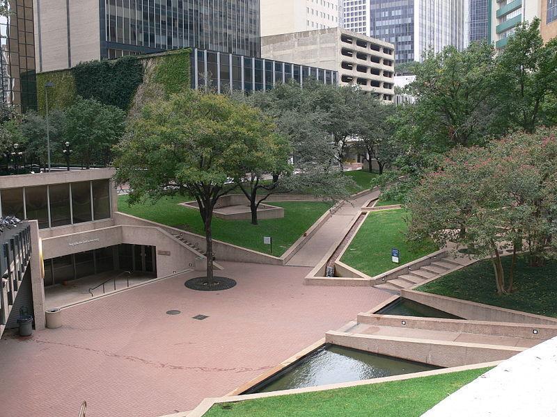 Площадь Благодарения, Даллас