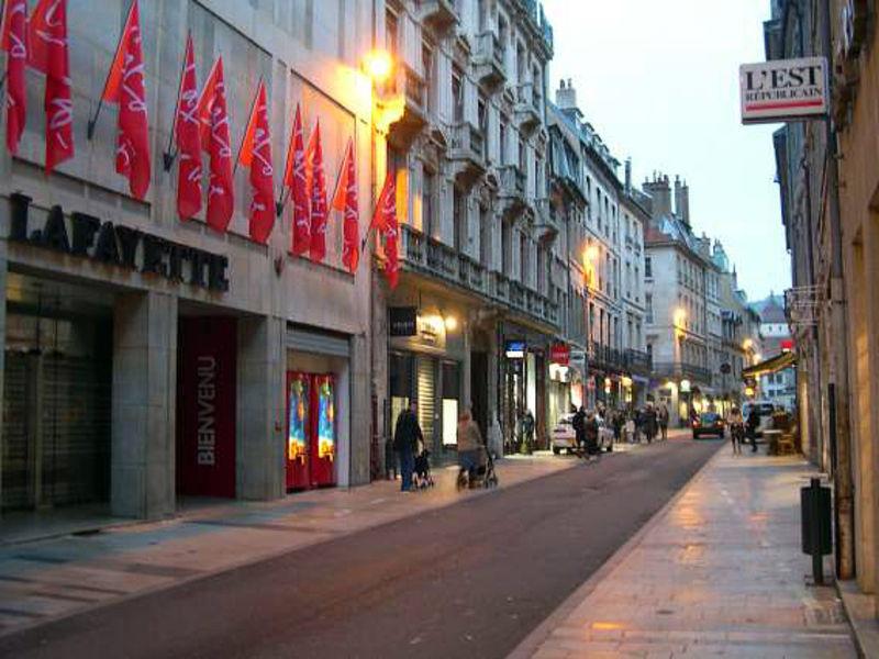 Shopping center Galeries Lafayette, Besançon