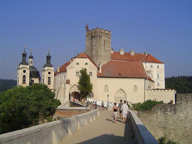 Замок Вранов-над-Дией