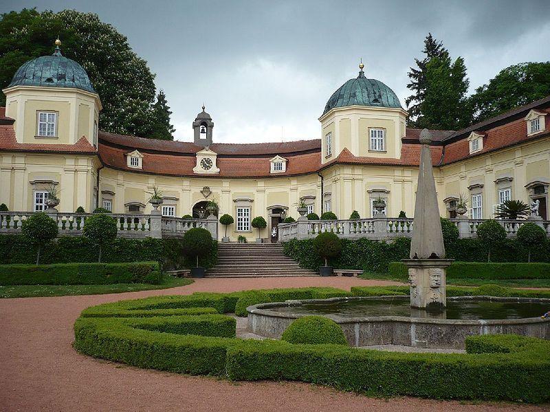 Замок Бухловице