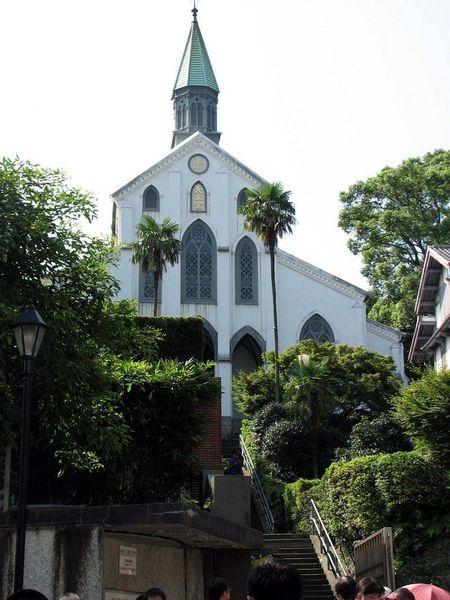 Католическая церковь Оура