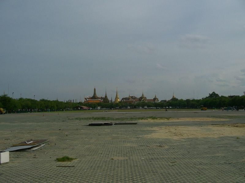 Площадь Санамлуанг