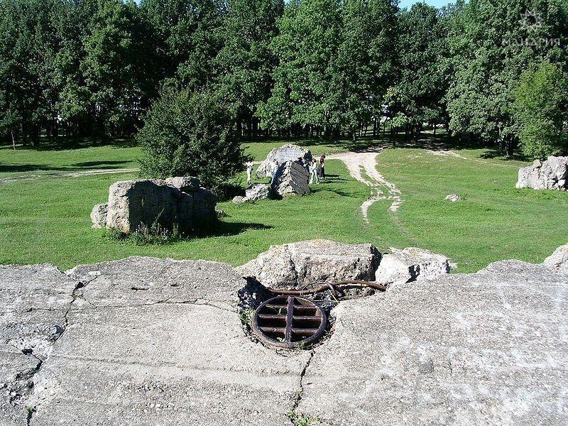 Руины ставки А. Гитлера «Вервольф»