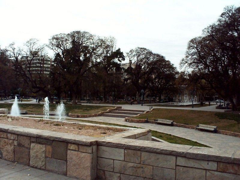 Площадь Независимости, Мендоса