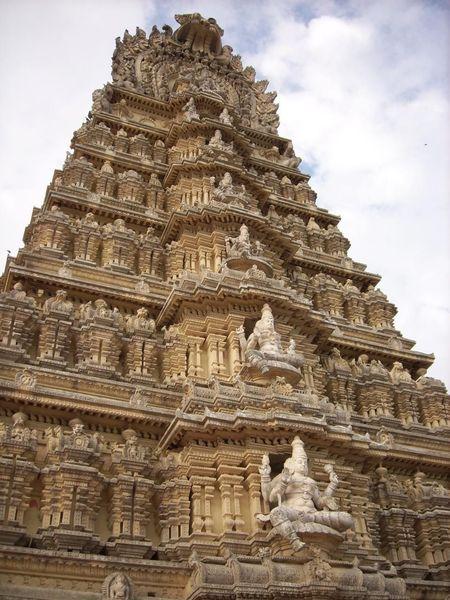 Храм Чамундешвари
