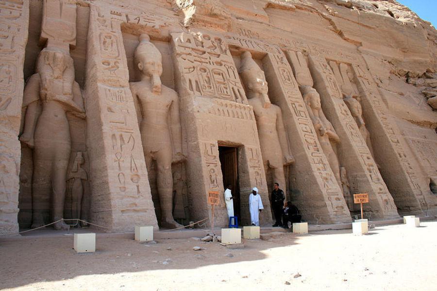 Храм Хатор