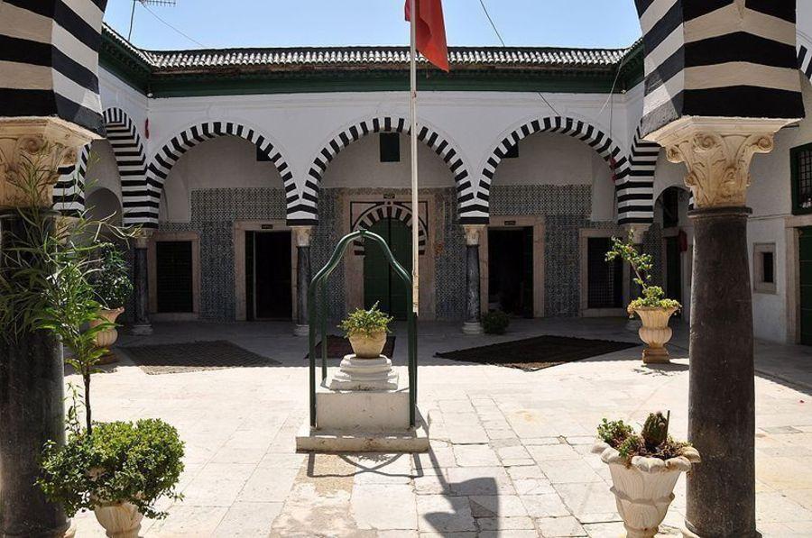 Три медресе, Тунис