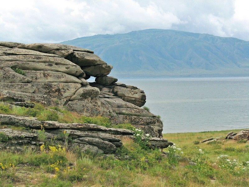 Бухтарминское озеро