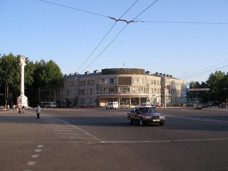 Площадь Свободы «Озоди»