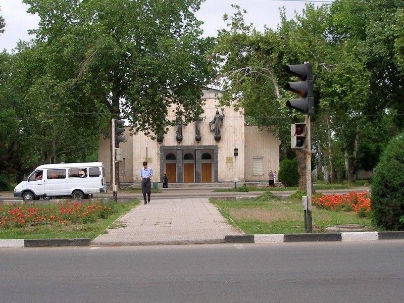 Государственный молодежный театр им. М. Вахидова