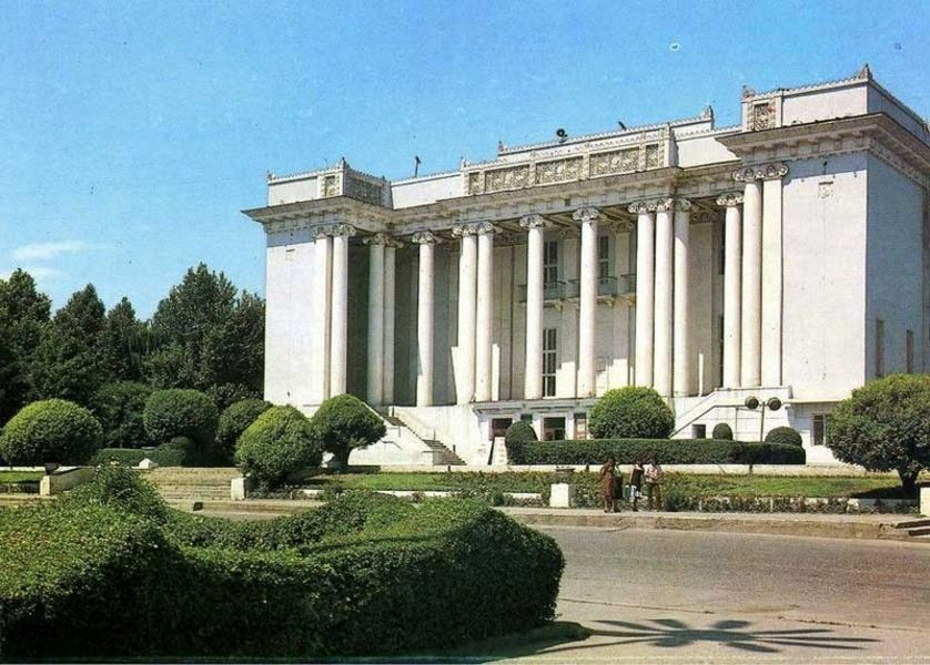 Театр оперы и балета им. С. Айни