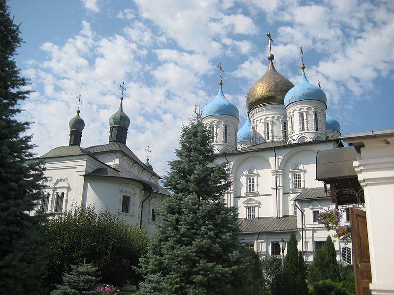 Новоспасский монастырь и Крутицкое подворье