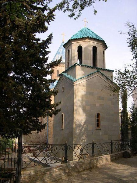 Церковь Лурджимонастери