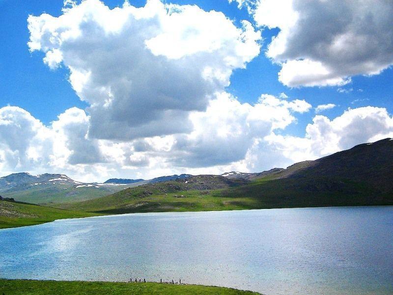 Кинджхарское озеро
