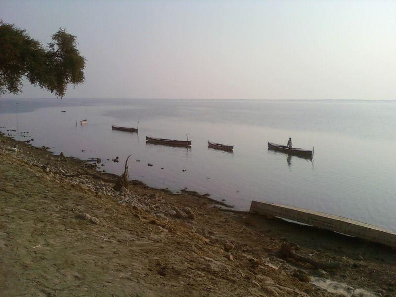Озеро Манчар
