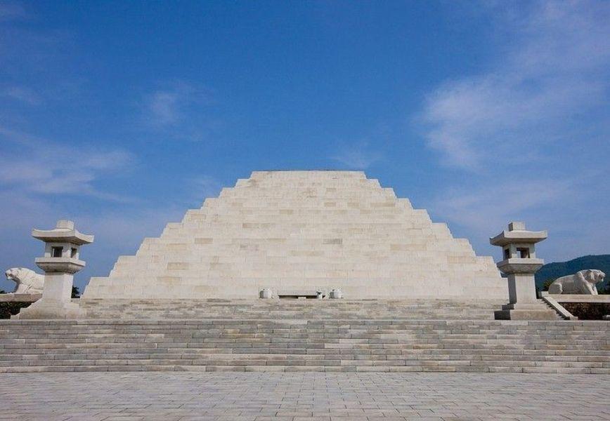Гробница Тангуна