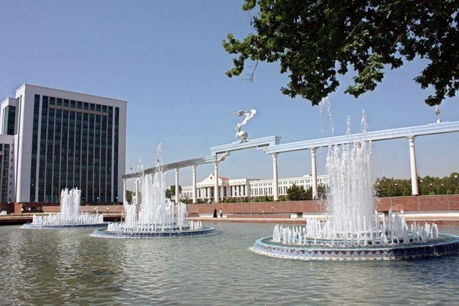 Площадь Независимости, Ташкент