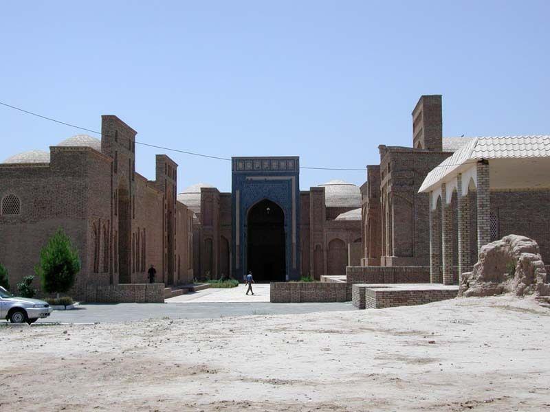 Мемориальный комплекс Султан-Саодат