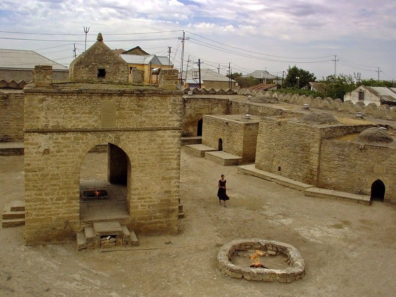 Храм огнепоклонников Атешгях