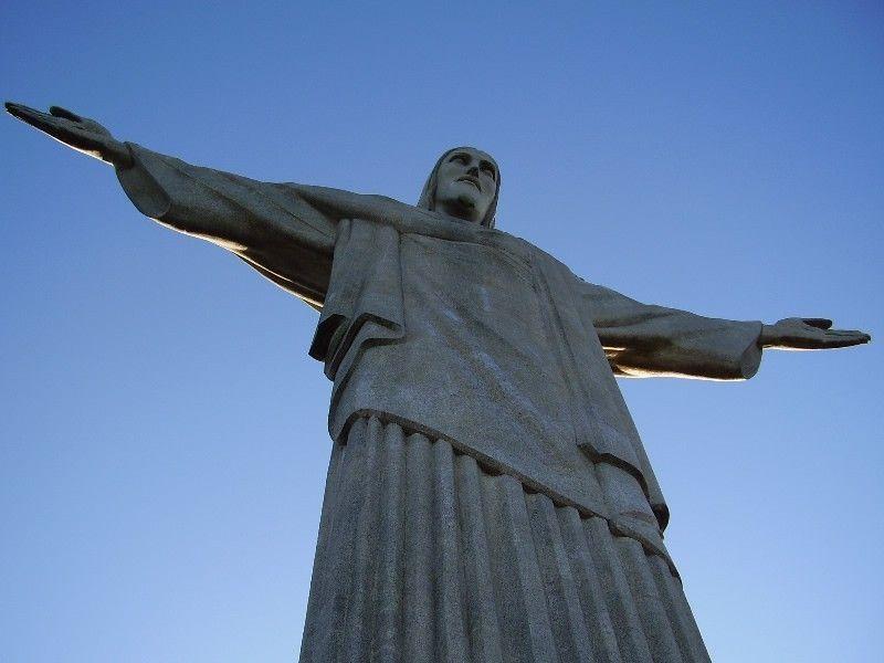 Статуя Христа Глубины
