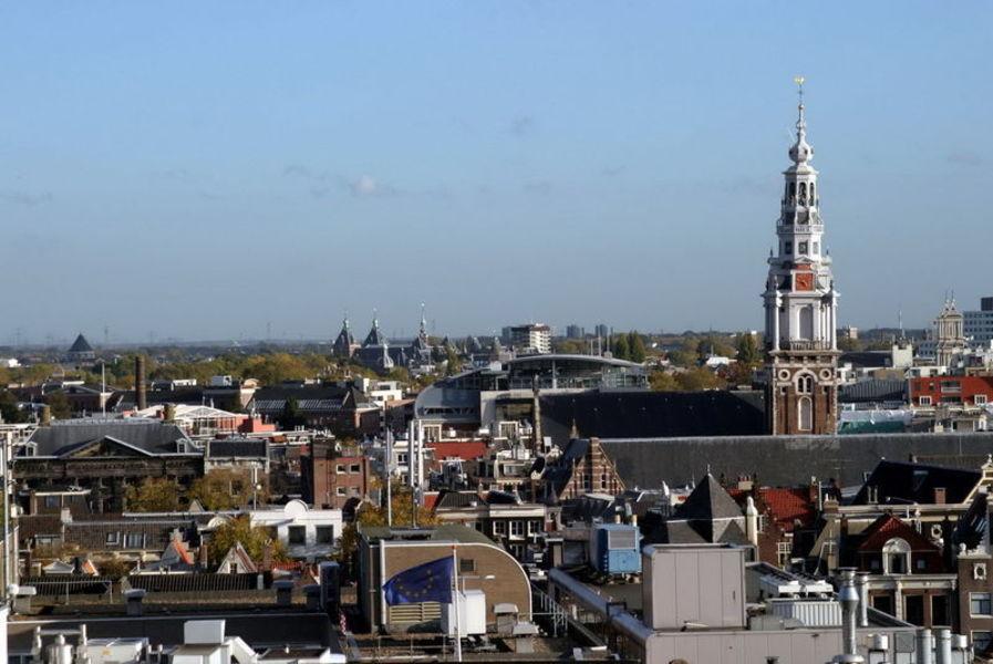 Веселый майский Амстердам