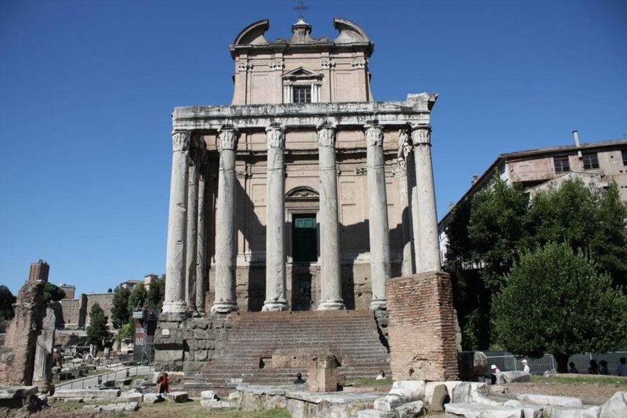Один в Риме 2