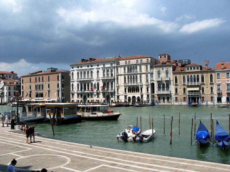 Уходящий под воду-город Венеция